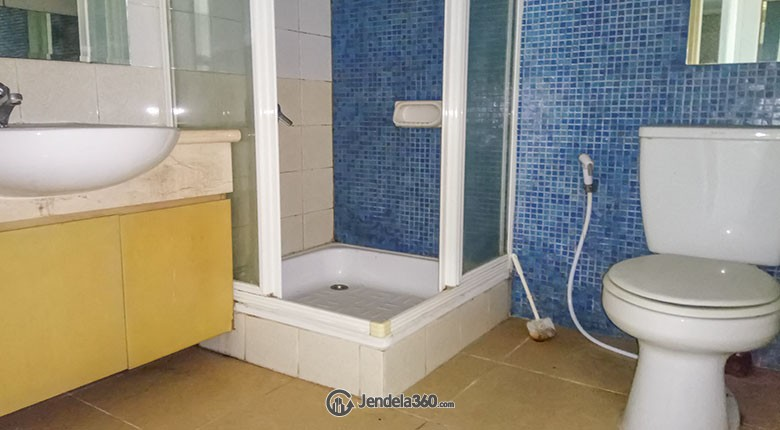 Bathroom Apartemen Batavia Apartment