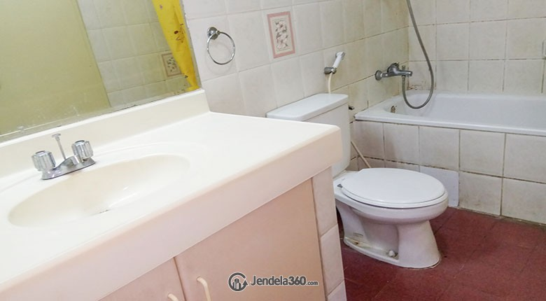 Bathroom Kondominium Menara Kelapa Gading (KMKG)