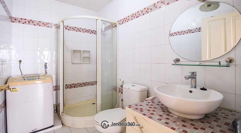 Bathroom Puri Garden Apartment Apartment