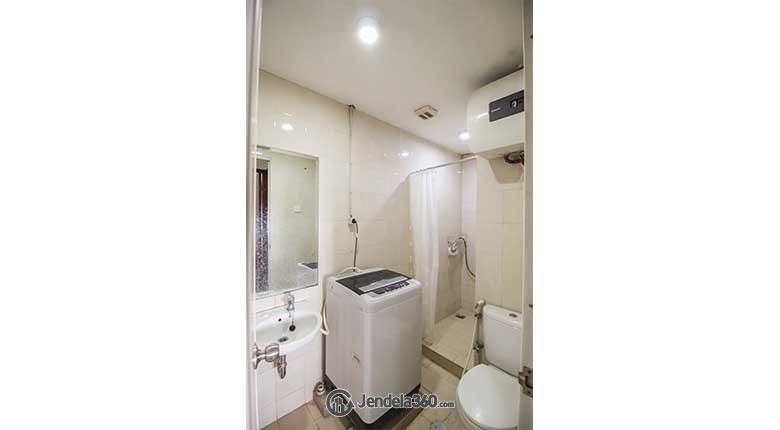 Bathroom Apartemen Sudirman Park Apartment