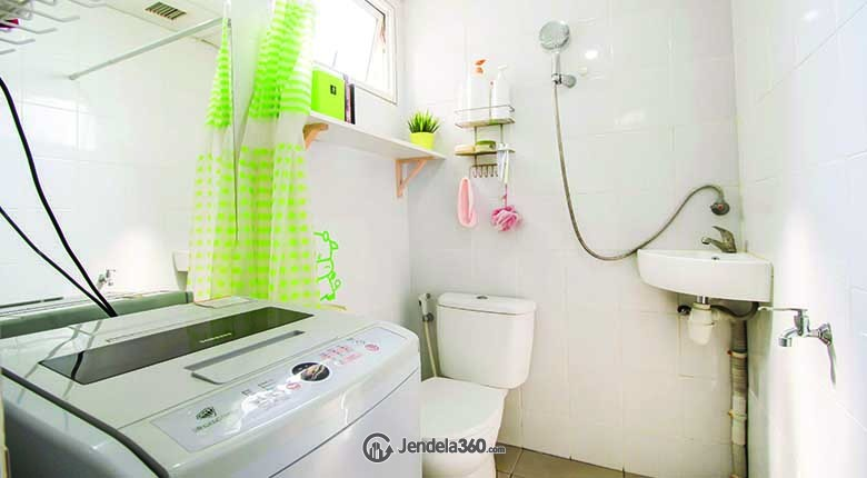 Bathroom Apartemen Signature Park Apartment
