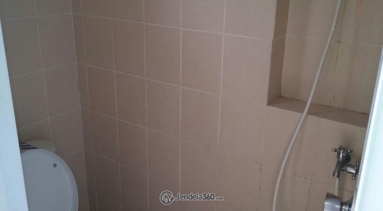 Bathroom Puri Park View Apartment