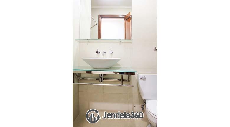 Bathroom Bumi Mas Apartment