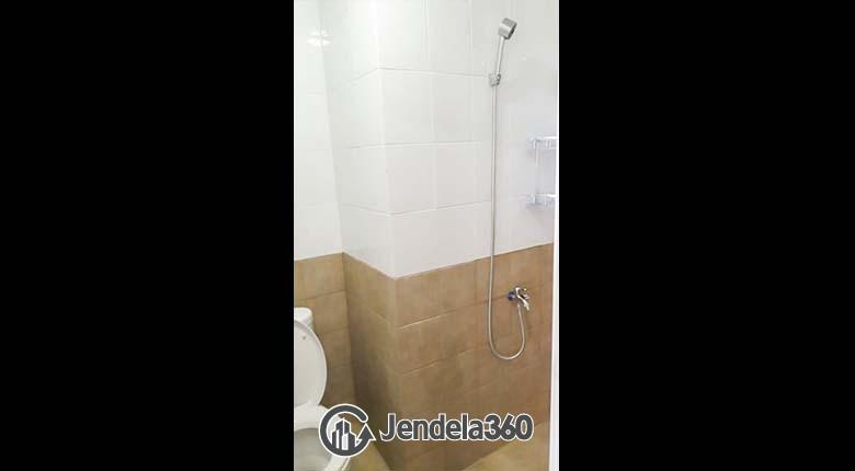 Bathroom Green Pramuka City Apartment