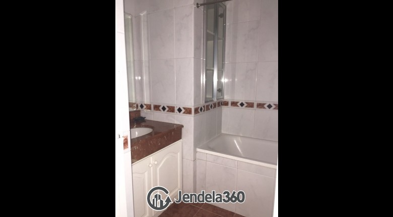 Bathroom Apartemen Pavilion Apartment