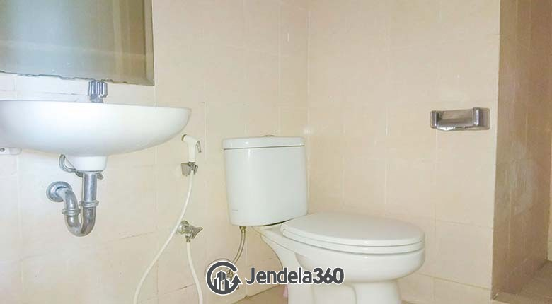 Bathroom Apartemen Grand Kartini Apartment