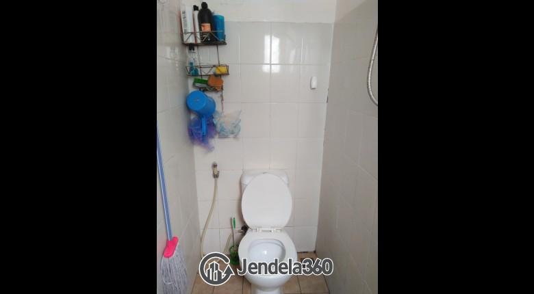 Bathroom Pancoran Riverside Apartment Apartment