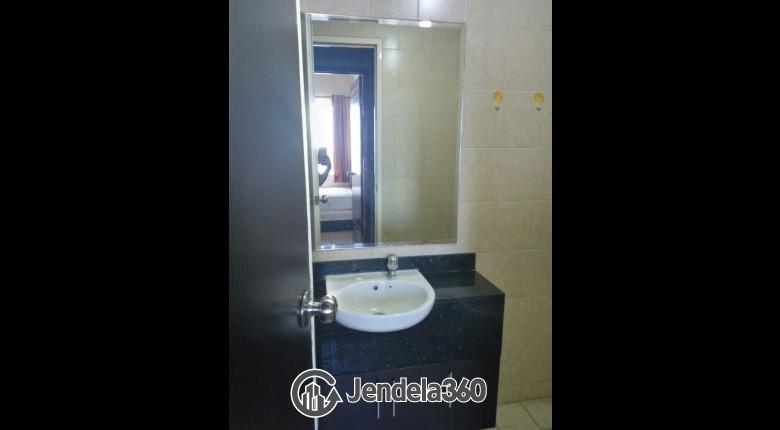 Bathroom Apartemen Mediterania Marina Ancol Apartment