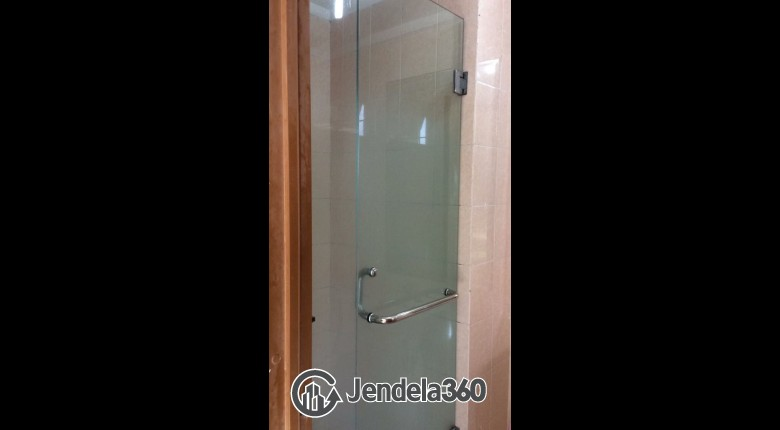 Bathroom Grand Kartini Apartment Apartment