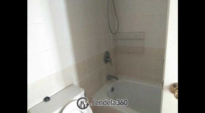 Bathroom Batavia Apartment