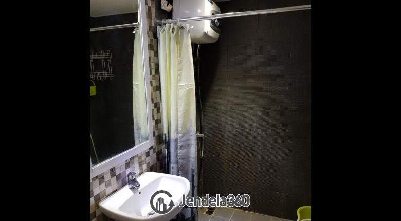 Bathroom Mediterania Gajah Mada Apartment