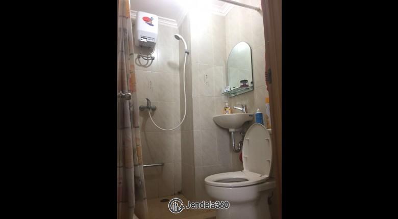 Bathroom Salemba Residence
