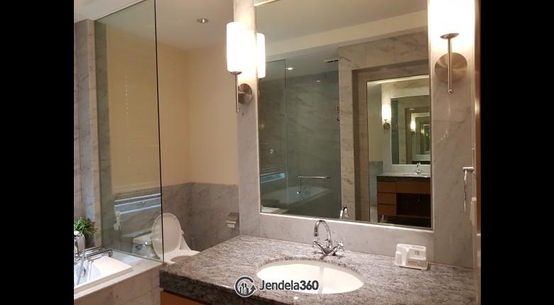 Bathroom Apartemen Pakubuwono Residence