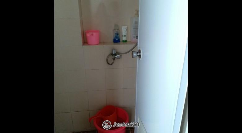 bathroom Apartemen Puri Park View Apartment 2BR Semi Furnished