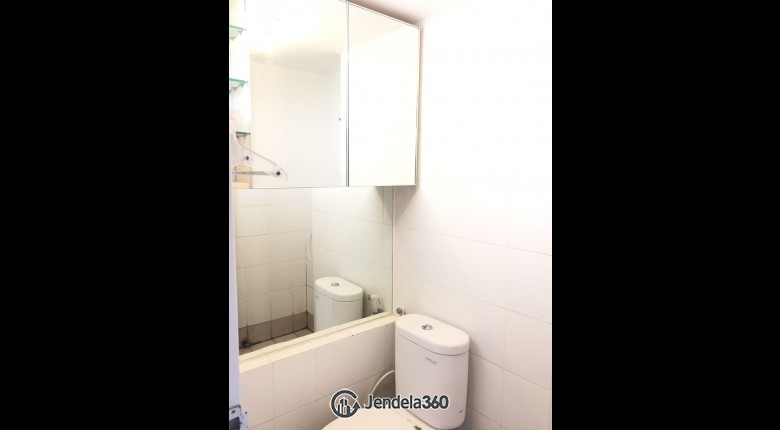 Bathroom Apartemen Bassura City Apartment