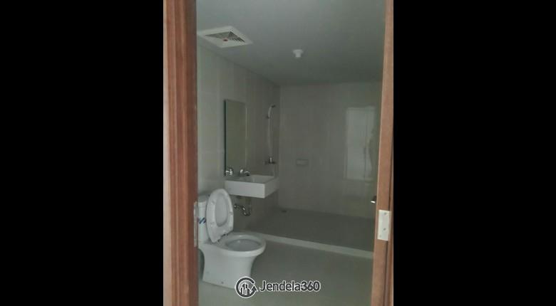 Bathroom Apartemen Soho Pancoran Apartment
