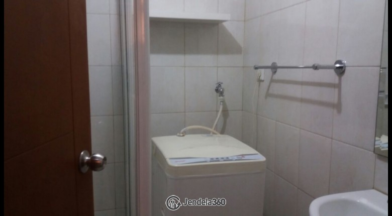 Bathroom Apartemen Thamrin Executive Residence