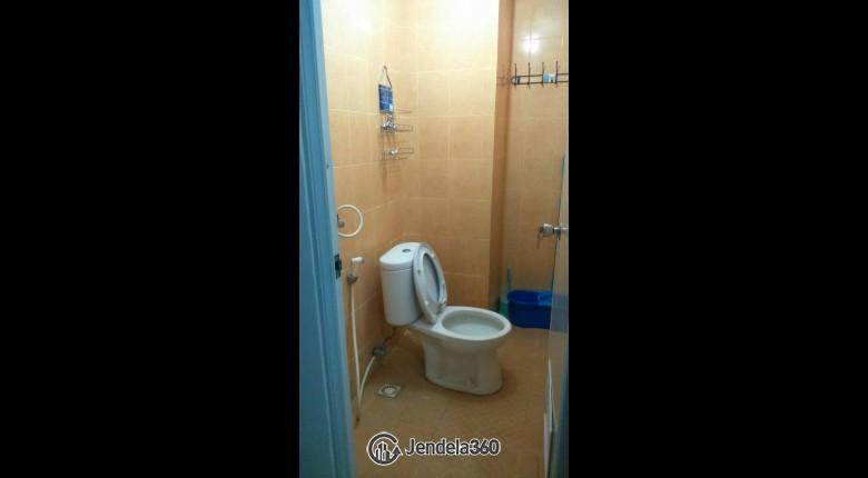 Bathroom Apartemen Paragon Village Apartment