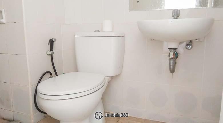 Bathroom Season City Apartment Apartment