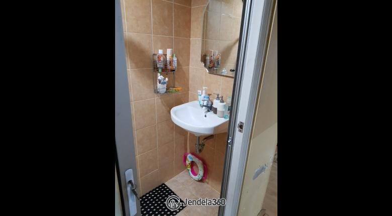 Bathroom Menteng Square Apartment Apartment