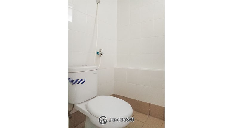 Bathroom Bassura City Apartment Apartment