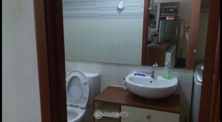 Bathroom Thamrin Residence Apartment