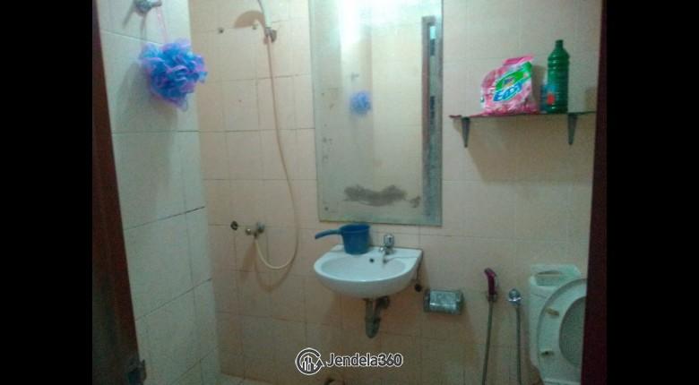 Bathroom Grand Kartini Apartment