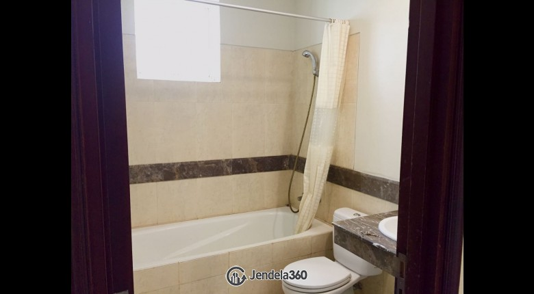 Bathroom Apartemen Belleza Apartment