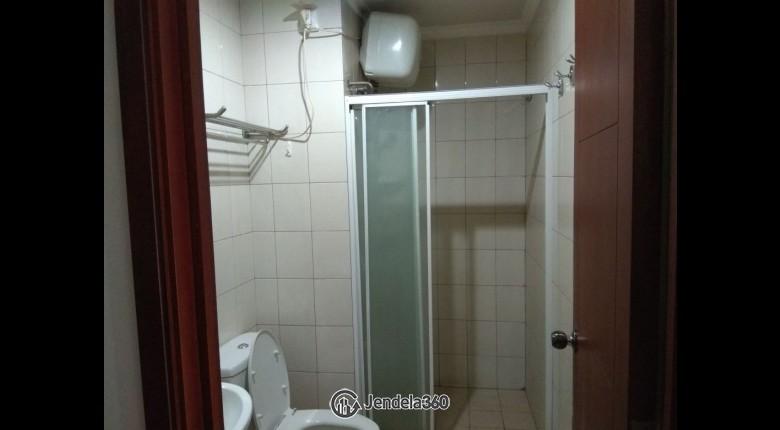Bathroom Royal Mediterania Garden Residence Apartment