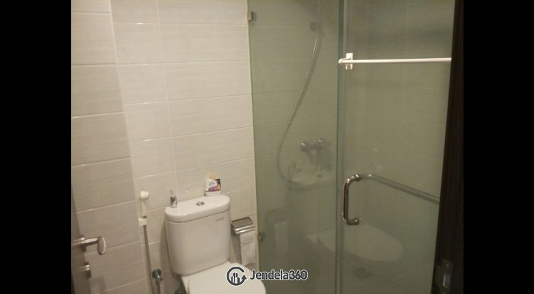 Bathroom Apartemen Kemang Village Apartment