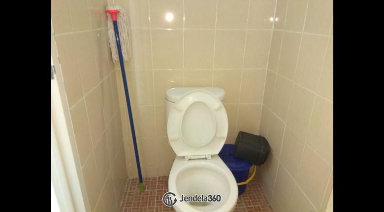 Bathroom Apartemen Puri Park View Apartment