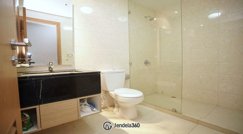 bathroom The Mansion Kemayoran Jasmine Apartment