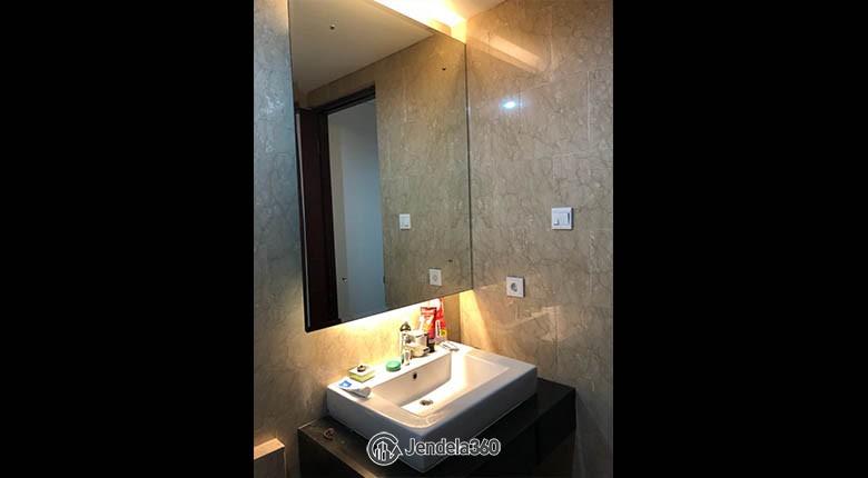 bathroom Royale SpringHill Residence