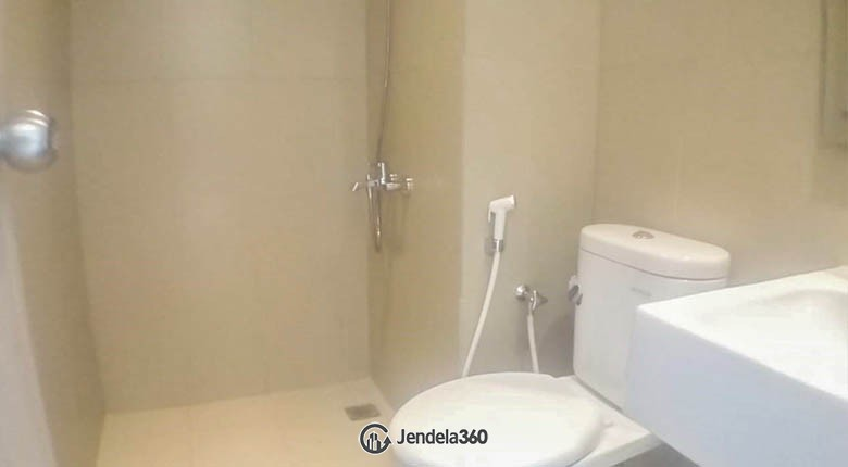 bathroom Apartemen Elpis Residences Apartment