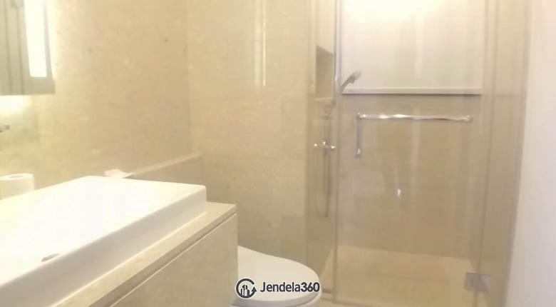 bathroom Apartemen 1 Park Avenue