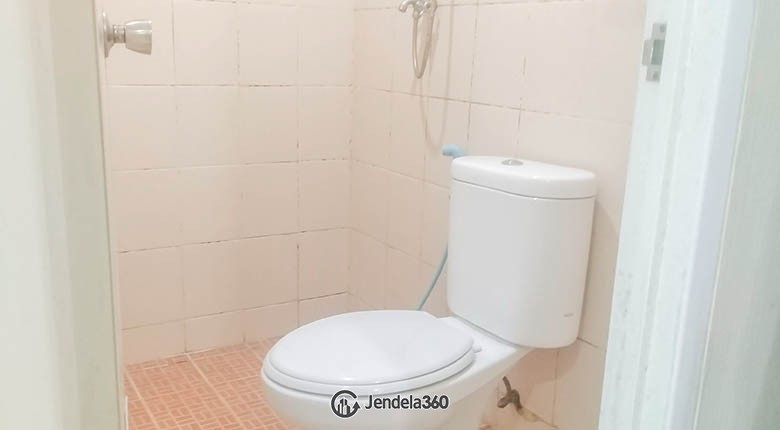 bathroom Apartemen Sunter Park View Apartment