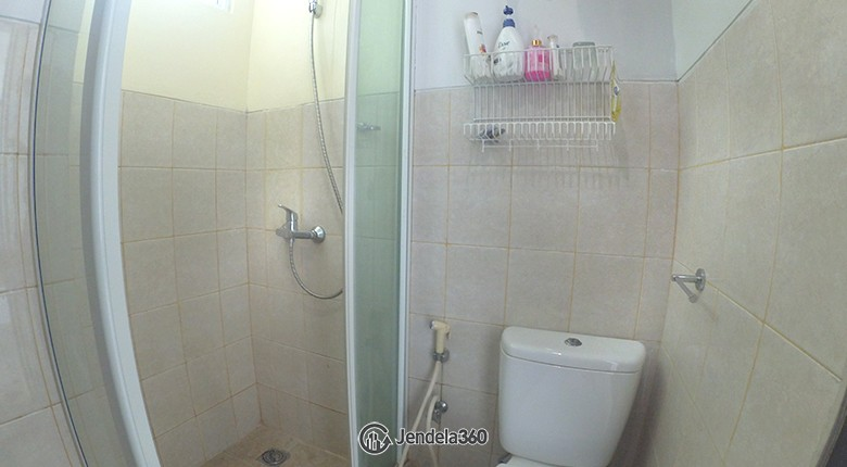 bathroom Apartemen CBD Pluit Apartment