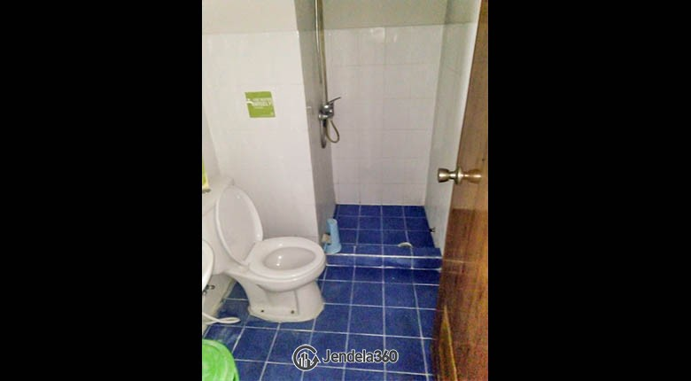 bathroom Apartemen Casablanca Mansion