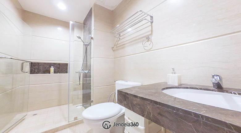 bathroom Apartemen ST Moritz Apartment