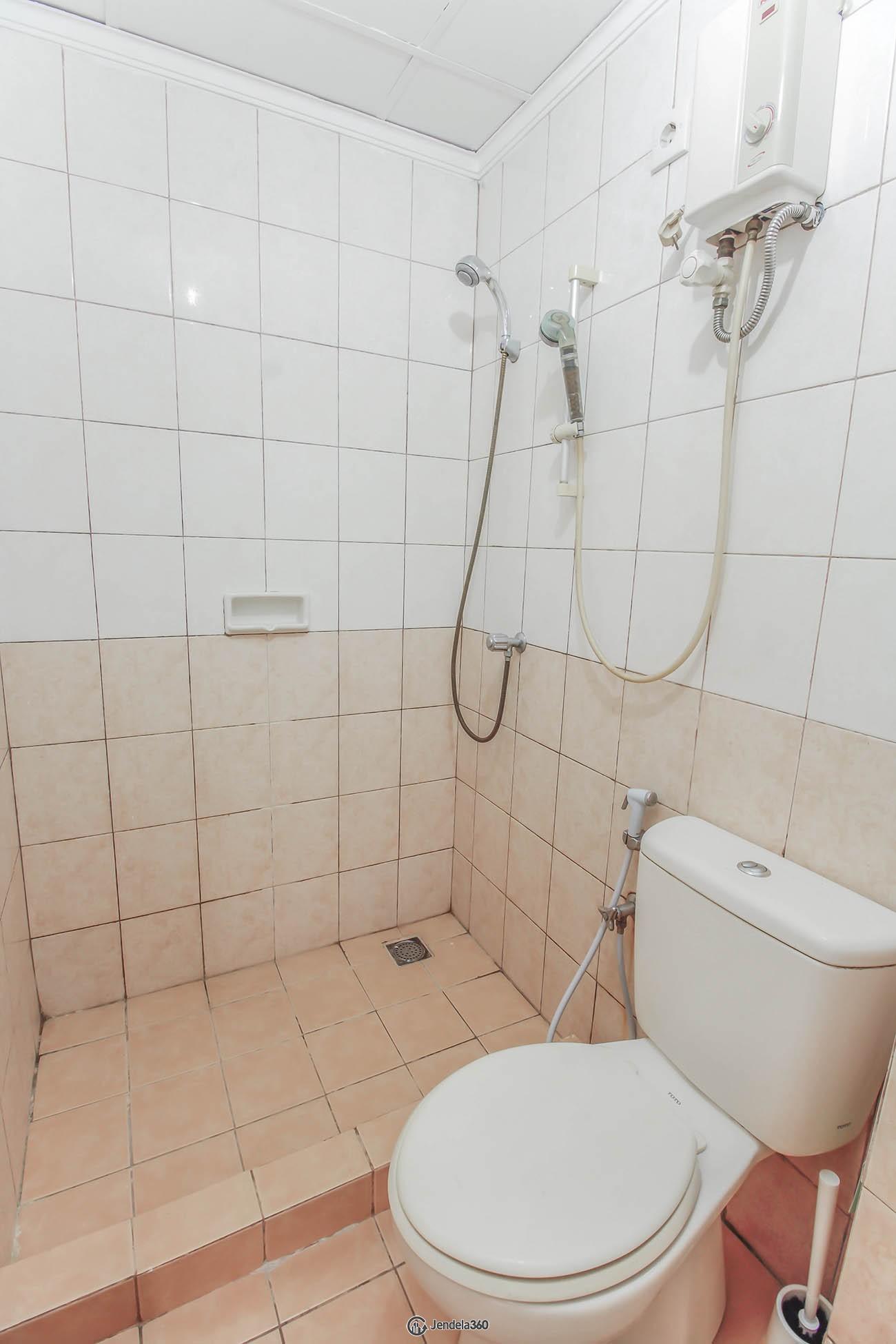 bathroom Mediterania Garden Residence 1