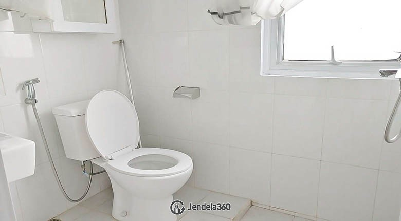 bathroom Apartemen Kondominium Menara Kelapa Gading