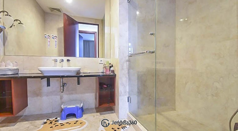 bathroom Essence Darmawangsa Apartment Apartment