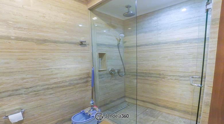 bathroom District 8