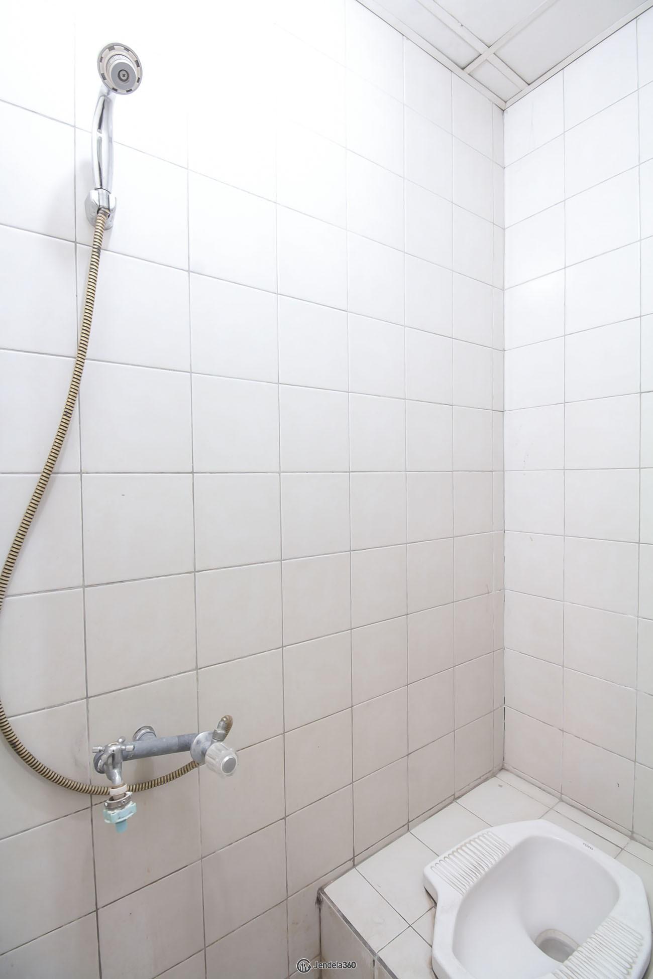 bathroom Cosmo Mansion - Thamrin City Apartment