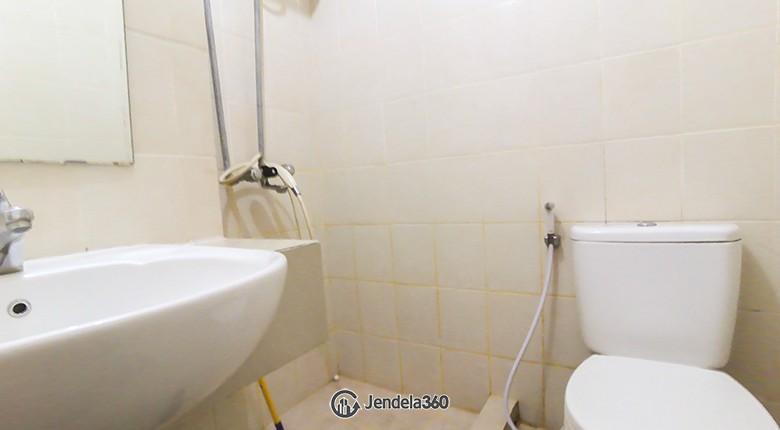 bathroom Maple Park Apartment