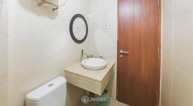 bathroom Apartemen Permata Hijau Residences