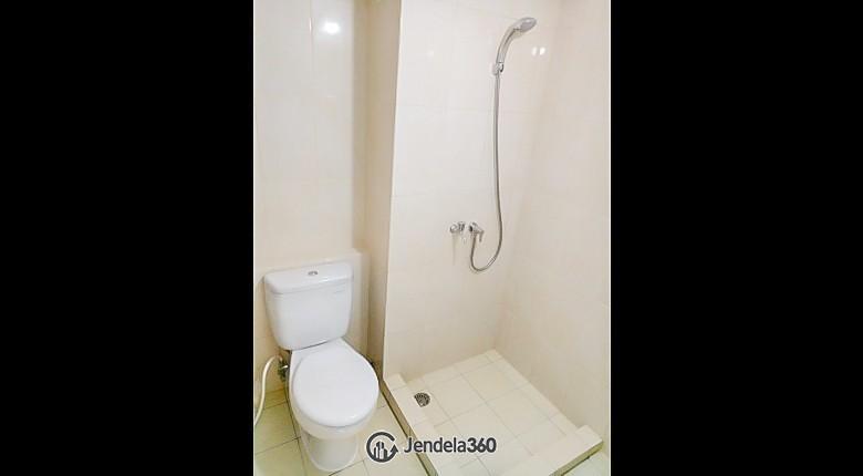 bathroom The Springlake Summarecon Apartment