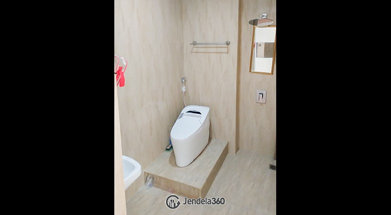 Bathroom Season City Apartment