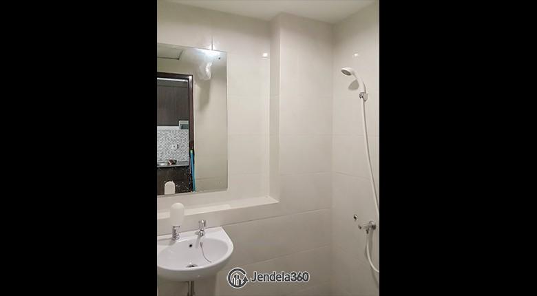 Bathroom Grand Dhika City Apartment Apartment