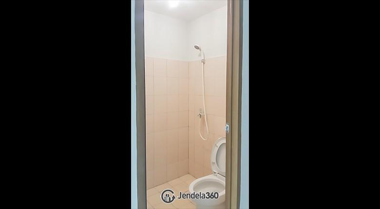 Bathroom Apartemen Tifolia Apartment